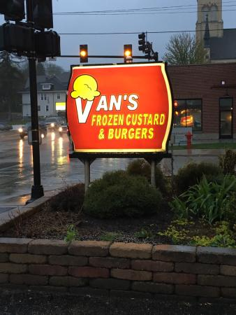 Van's Frozen Custard and Burgers